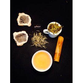White Silver Needle Tea by Feng Qing. Spring harvest